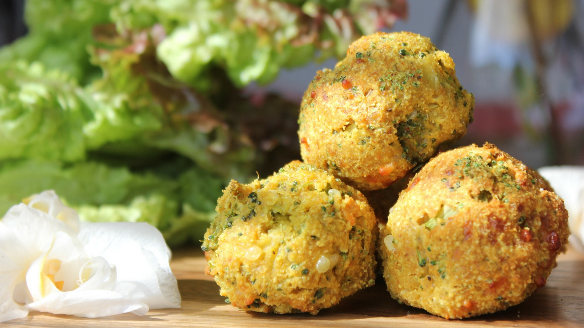 Broccoli and mozzarella bites