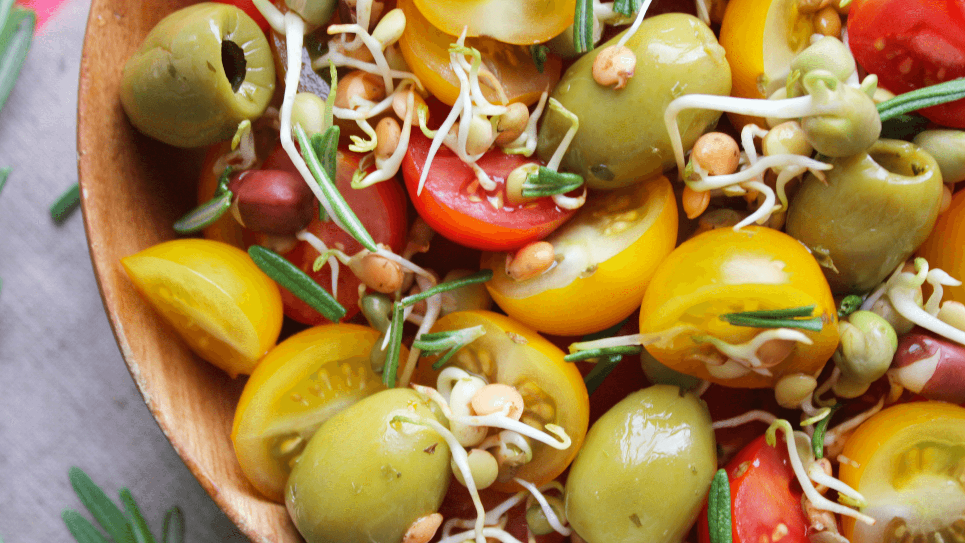 Tomato and bean sprout salad